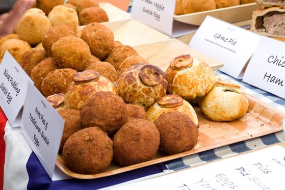 Scotch eggs în Broadway Market din Londra