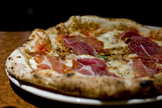 Pizza Meat Special la Franco Manca în Londra