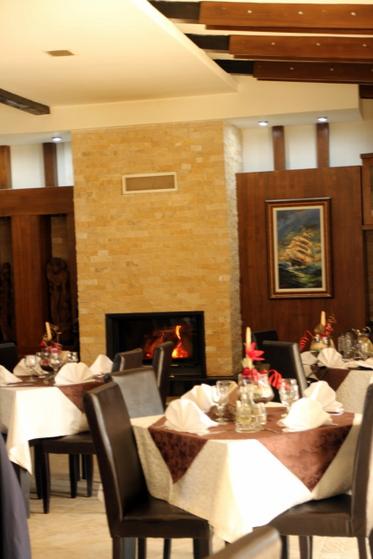 Semineu Restaurant Roco Izvin