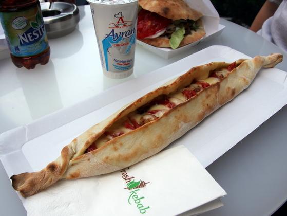 Pida pui si mozzarella Fresh Kebab