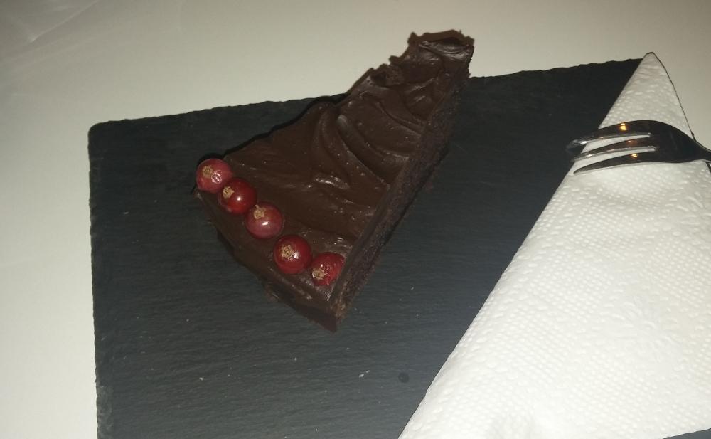 Tort de ciocolata Garage Cafe