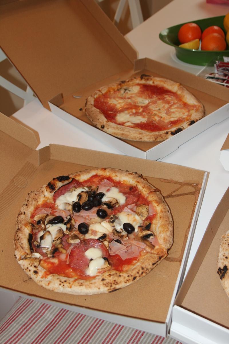 Core e Napoli pizza livrare