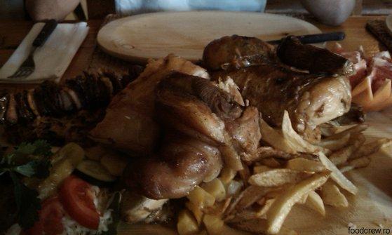 Platou pentru două persoane la Restaurant Camelot în Timişoara
