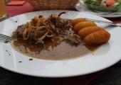 Friptura de vita cu sos de ceapa si crochete de cartofi_Restaurant Gasthof Simony