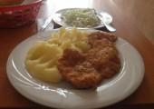 meniul zilei balcescu timisoara - snitel de pui cu piure de cartofi si salata de varza