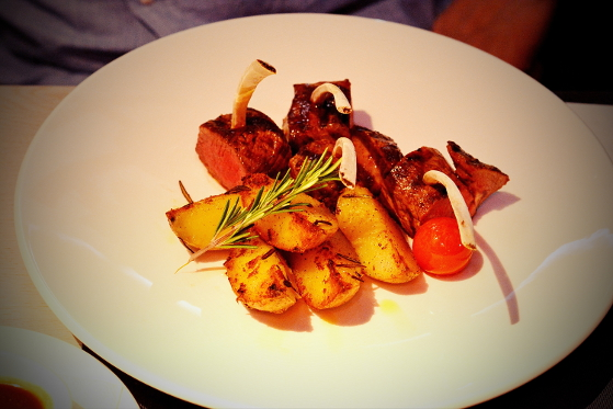 Berbecut si cartofi cu rozmarin