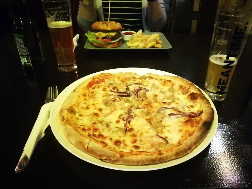 Pizza la Paradisul Piraților