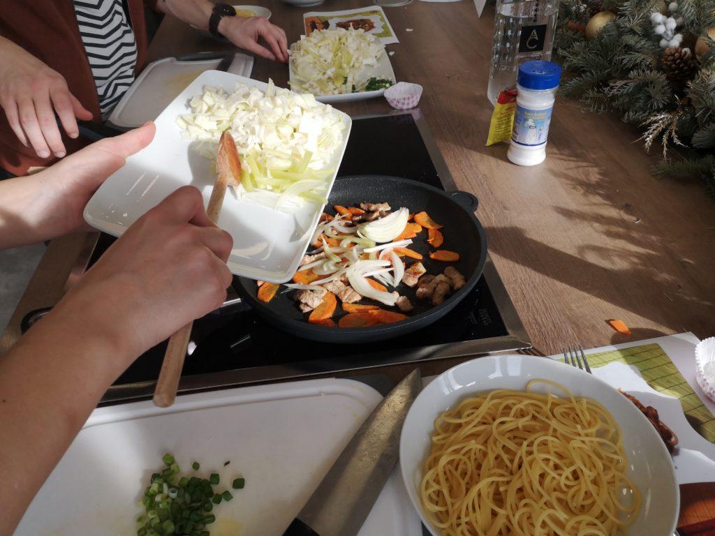 cum-prepari-yakisoba-timisoara