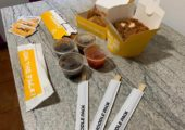 Prânz cu mâncare chinezească de la Noodle Pack