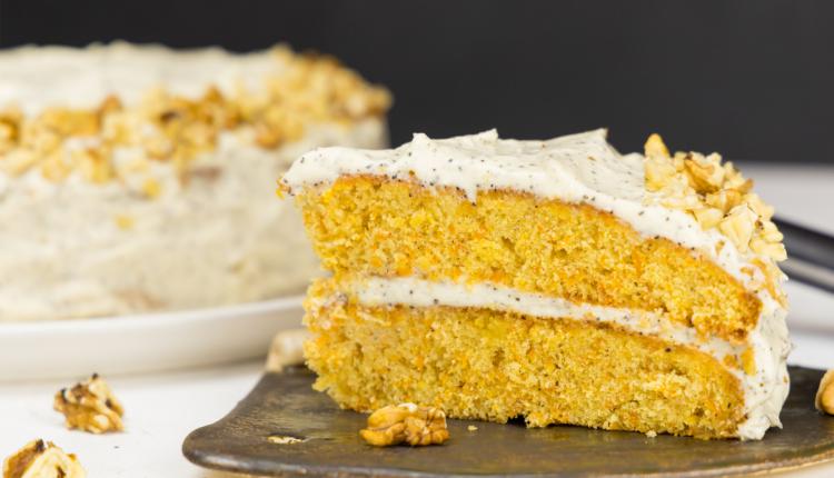 Carrot cake cu cremă Earl Grey