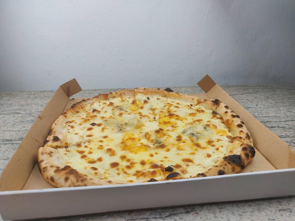 Pizza Quatro Fromaggi de la Daily Timișoara